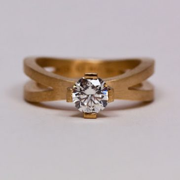 Ringen med den vackra etiska diamanten! Ring with beautiful ethical diamond!