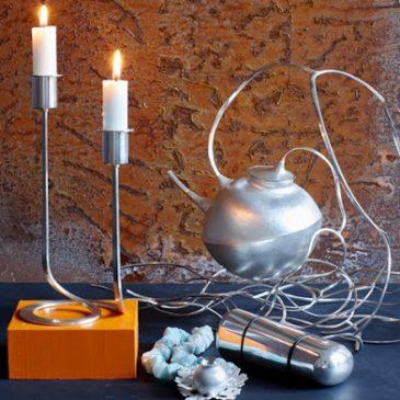 Mina föremål finns nu i Nutida Svenskt Silvers montrar på antikmässan.