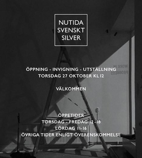 Nutida Svenskt Silver slår äntligen ner sina bopålar igen med fast adress på Västmannagatan 49 i Stockholm.